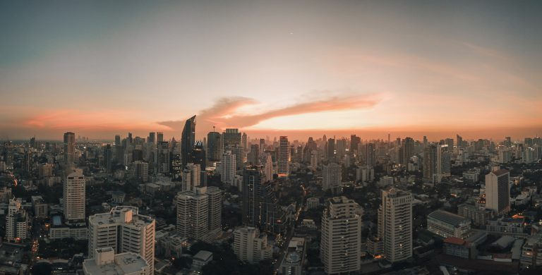 การลงทุนโครงสร้างพื้นฐาน กุญแจขับเคลื่อนเศรษฐกิจไทยให้เติบโตอย่างยั่งยืน